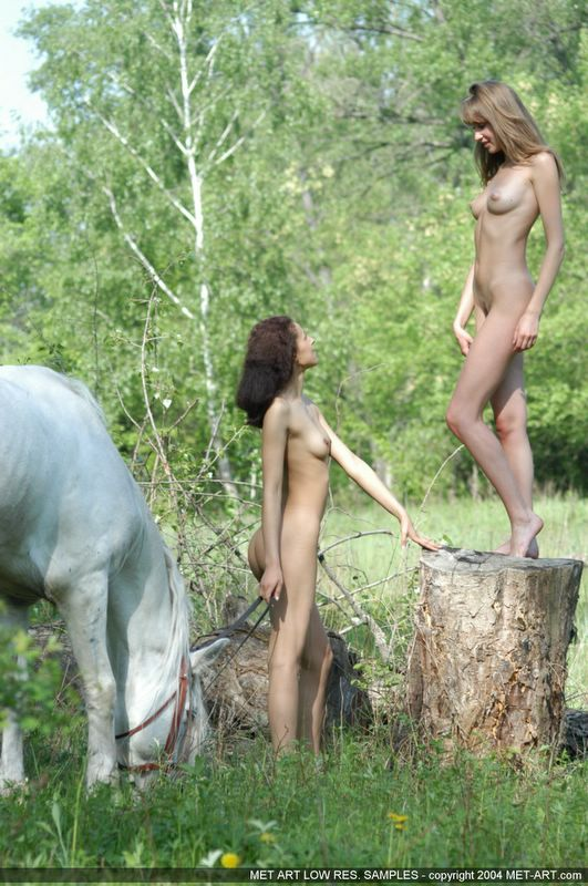 фото альбомы голых девушек
